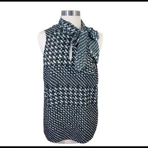 Who What Wear Houndstooth Tie Neck Top M
